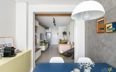 Estilo e funcionalidade em apartamento compacto